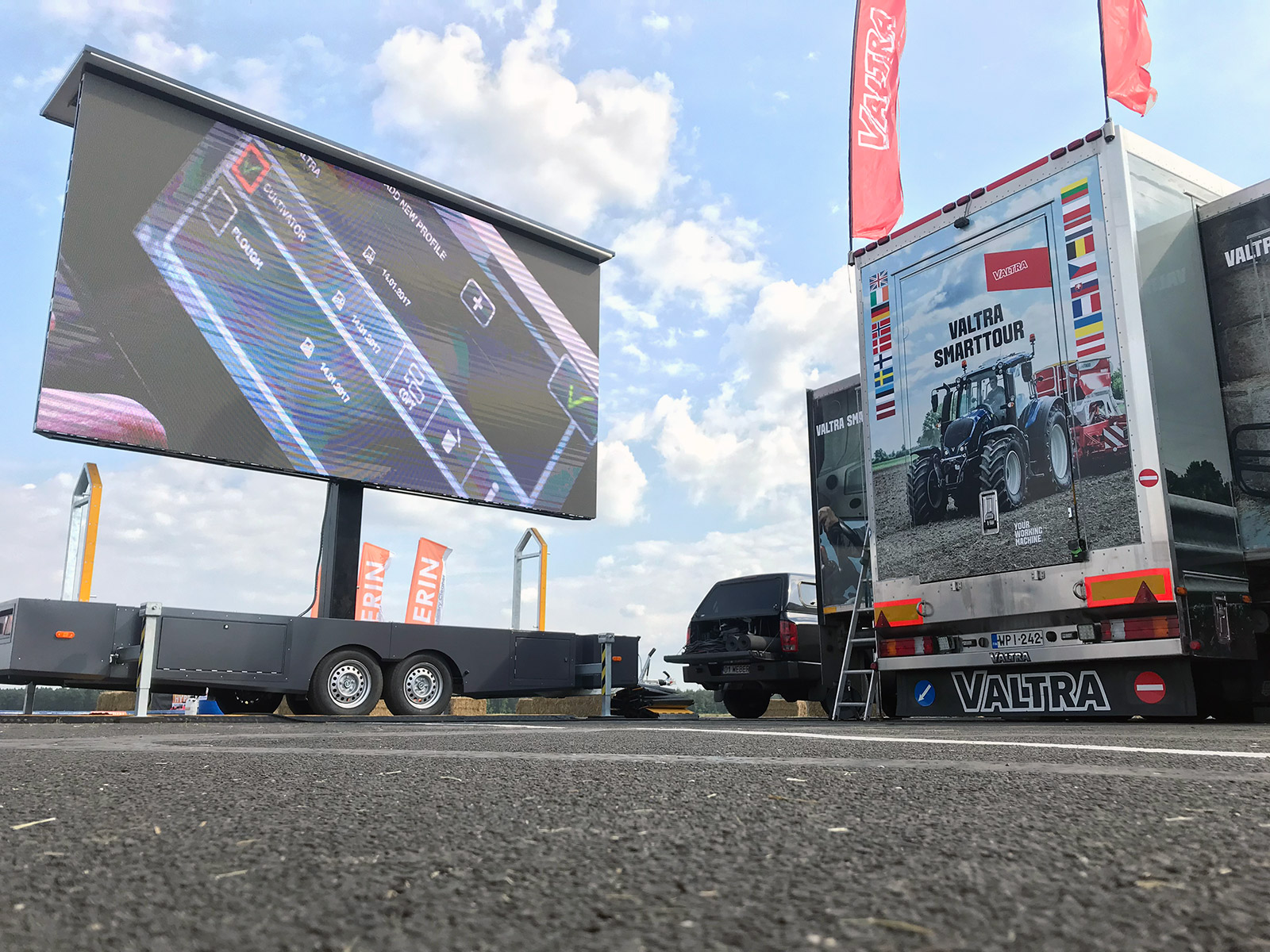 Mobile LED screens for sale at the stock! | Trailers | Screen-LED