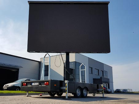 Open LED screen trailer - PlatformLED photo
